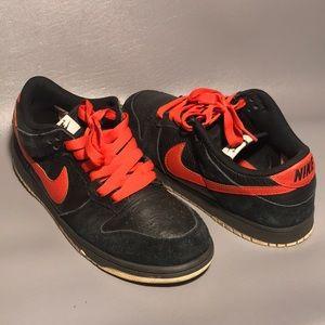 Nike NYX Dunk Low Black & Orange Size 10.5